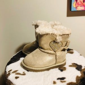 Toddler girls size 5 sparkly winter boots